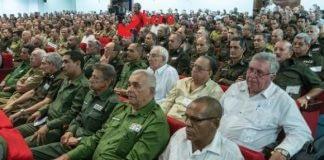 Acto del MININT, en Cuba. Una mujer resistió el acto sin dormirse.