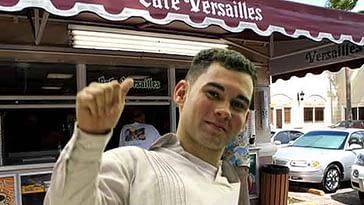 Elián González regresa a Miami y reclama un paquete de galleticas Oreo