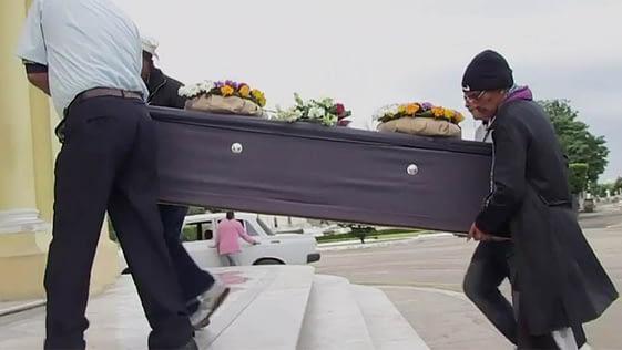 Muy cara la nueva tarifa para entierros en Cuba